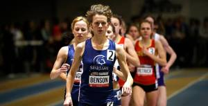 Fiona Benson leading the 1500m at the 2015 CIS Indoor Track and Field Championships