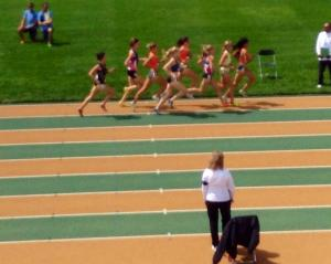 The 350m mark of the 2105 AC Nats 800m final. Fiona Benson is the second runner from the left