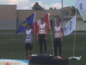 Brandon Tufford (832) recorded a personal best time of 2:00.57 in winning the bronze medal in the U18 800m